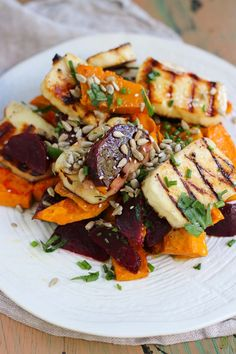 Beetroot, pumpkin haloumi salad, is delicious and looks just as impressive as a restaurant dish. It has enough gorgeous ingredients to make everyone happy Pumpkin Recipes, Vegetable Recipes, Vegetarian Recipes, Cooking Recipes, Healthy Recipes, Grilling Recipes, Haloumi Salad, Healthy Snacks, Healthy Eating