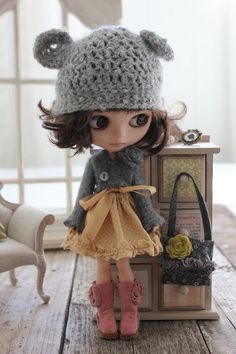 Blythe Doll clothes set and bear hat