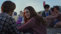 Alex (Sam Claflin) und Rosie (Lily Collins) als Teenager  © 2014 Constantin Film Produktion