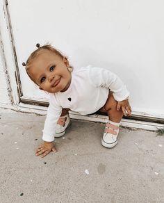 Cute Baby Names, Cute Baby Photos, Cute Little Baby, Baby Pictures, Little Babies, Baby Kids, Cute Baby Girl Outfits, Cute Outfits For Kids, Cute Baby Clothes