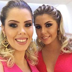 E essas foram as irmãs e madrinhas da noiva de ontem duas Barbies lindas @francielyboff e @leniseboff  #make #makeup #make_up #makeuplover #makeupartist #makeuplovers #maquiagem #maquiando #maquiadora #maquiagemx #maquillage #achadosdamake #universodamaquiagem_oficial #universodamaquiagem #universodasnoivas #bride #brides #noiva #noivas #noivasmt #noivalinda #noivasmakeup #mac #maccosmetics by valeskalrv