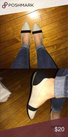 Pointed neutral & black flats Brand new. From Ecuador. Pointed flat, size 36/6 Shoes Flats & Loafers