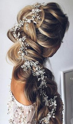 Wedding Hairstyles With Braids Pictures stunning wedding hairstyles with braids for amazing look in Wedding Hairstyles With Braids. Here is Wedding Hairstyles With Braids Pictures for you. Wedding Hairstyles With Braids 34 beautiful braided wedding h. Braided Hairstyles For Wedding, Pretty Hairstyles, Prom Hairstyles, Hairstyle Wedding, Grecian Hairstyles, Quinceanera Hairstyles, Christmas Hairstyles, School Hairstyles, Updo Hairstyle