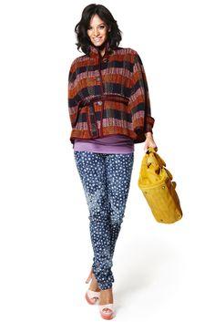 Mitmatmamam #Ropapremama: #Pantalonpremamá Moda Tubo Jeans  Pantalón pitillo en tejido estampado con estrellas. 5 bolsillos y punto de barriga de viscosa elastano con goma ajustable.  Composición: Algodón, Elastano