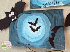 Bats at Night: Halloween Art Project Art Halloween, Halloween Art Projects, Halloween Arts And Crafts, Fall Art Projects, October Art, 2nd Grade Art, Grade 1, Kindergarten Art, Preschool