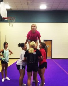 In honor of this weekend, let's throw it back with a video from last year's choreography camp! Excited to see what the… Easy Cheerleading Stunts, Cool Cheer Stunts, Cheer Tryouts, School Cheerleading, Football Cheer, Cheer Coaches, Cheer Practice Outfits, Cheer Dance Routines, Youth Cheer