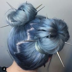 Festival Hair It's Festival Season! We've rounded up an array of hair looks that are perfect for Coachella, Lollapalooza, Bonnaroo and everything in between! Hair Dye Colors, Cool Hair Color, Winter Hairstyles, Pretty Hairstyles, Hairstyle Ideas, Wedding Hairstyles, Everyday Hairstyles, Bun Hairstyles, Festival Hairstyles