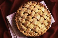 Old-Fashioned Lattice-Top Apple Pie Here is a beautiful and delicious pie to serve with vanilla ice cream or slightly sweetened whipped cream. Lattice Top Apple Pie Recipe, American Apple Pie, American Desserts, Apple Pie Recipes, Apple Pies, Recipe Of Apple Pie, Apple Cinnamon Pie, Apple Pie Crust, Mini Apple