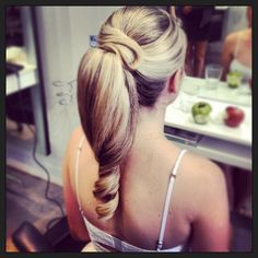 Bridesmaids hair!!
