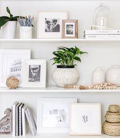 Home Decoration Bedroom Easy Shelf Styling Tips Printable Guide Easy Shelves, Book Shelves, Decoration Bedroom, Bedroom Shelf Design, Bedroom Wall, Entryway Decor, Decoration Inspiration, Decor Ideas, Room Ideas