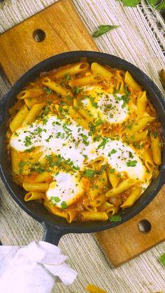 Un Shakshuka explosivo Pasta Recipes, Diet Recipes, Healthy Recipes, Vegan Kitchen, Kitchen Recipes, Food Plating Techniques, Vegan Junk Food, Vegan Sushi, Vegan Smoothies