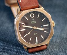 """MoVas Bronze Officer Watch Review - by Patrick Kansa Get a closer look at: aBlogtoWatch.com """"Today, we are going to review a watch that I was fairly certain I would not be seeing in person given the limited quantities being produced. That said, it was still intriguing enough of a piece that I did do a preview post about it when the pre-order was announced, and that brings us to today, where I have actually had time with the moVas Bronze Officer..."""""""