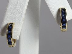 VINTAGE 14K YELLOW GOLD CALIBRATED SQUARE BLUE SAPPHIRE MINI HUGGIE HOOP EARRING #Huggie