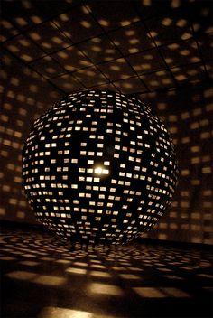 Light art sculpture
