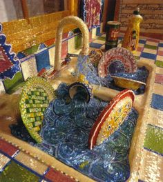 A kitchen of almost 16m2. Every surface covered with beads. It took an estimated 30 million beads and 5 years of intense work.