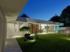 Californian Coastal Style And Iconic Décor Define Austrian House A