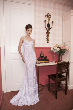Special elegant wedding dress