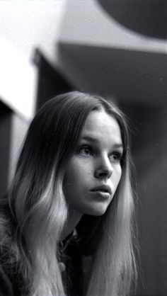 Michele Philips of The Mamas & The Papas Michelle Phillips, 60s Music, Music Love, People Like, Pretty People, Aesthetic Women, Jane Seymour, Idole, Rock Groups