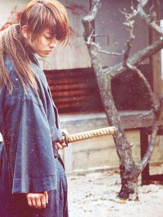 Rurouni Kenshin: The Legend Ends BTS. Takeru Sato as Kenshin Himura. Japanese Drama, Japanese Boy, Rurouni Kenshin Movie, Zack Fair, Takeru Sato, Japon Illustration, Cosplay Anime, K Pop, Martial