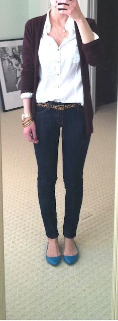 great casual outfit for work, flats, skinny jeans, leopard belt, white button-up, black cardigan