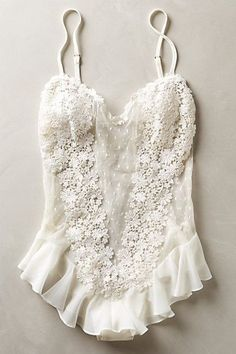 10 Sexy All-White Lingerie Sets for Your Wedding Night - .- 10 Sexy All-White-Dessous-Sets für Ihre Hochzeitsnacht – 10 Sexy All-White Lingerie Sets for Your Wedding Night – – 10 Sexy A - Belle Lingerie, Lingerie Mignonne, Bridal Lingerie, Pretty Lingerie, Beautiful Lingerie, Bridal Boudoir, Bridal Intimates, Bridal Nightwear, Honeymoon Lingerie