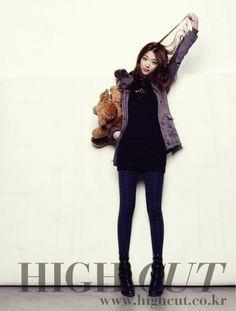 f(x)'s Sulli on High Cut magazine in Calvin Klein jeans Sulli Choi, Choi Jin, South Korean Girls, Korean Girl Groups, Korean Celebrities, Celebs, Korean Fashion Work, Korea Fashion, Japanese Fashion