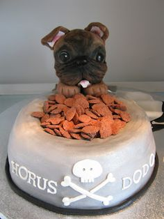 This has to be the cutest Dog cake. I love this