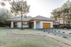 Indoor Sauna, Driveway Design, Home Fashion, House Plans, Garage Doors, Sweet Home, Shed, Villa, Outdoor Structures