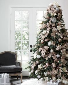Ideas rose gold christmas tree ornaments for 2019 Country Christmas Ornaments, French Country Christmas, Christmas Tree Themes, Noel Christmas, Rustic Christmas, Christmas Picks, Holiday Decorations, French Christmas Tree, Rose Gold Christmas Decorations