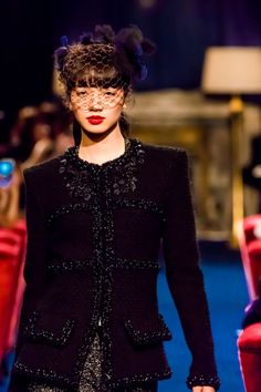 「シャネル」が東京でショー開催、小松菜奈がランウエイに登場│WWD JAPAN Japanese Beauty, Japanese Girl, Asian Beauty, Party Fashion, Boho Fashion, Girl Fashion, Nana Komatsu Fashion, Asian Woman, Asian Girl