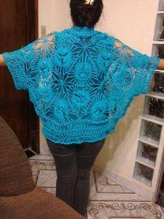 Bolero em Croche de Grampo todo trabalhado com linha Camila