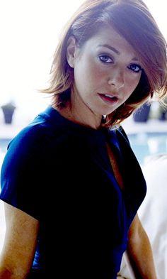 Red head, Alyson Hannigan, American actress, 480x800 wallpaper