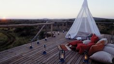 A luxury South Africa safari means a wilderness adventure to one of the most pristine wildlife destinations in Africa. Book your safari with Sanctuary Retreats! Tulum, Parc National Kruger, Africa Safari Lodge, Style Loft, Game Lodge, Sleeping Under The Stars, Relax, Outdoor Spaces, Outdoor Decor