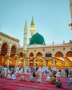 Bahar-e-Durood O Salam: Gumbad-e-Khazra / Masjid-e-Nabawi Masjid Haram, Al Masjid An Nabawi, Mecca Masjid, Islamic Images, Islamic Pictures, Islamic Art, Beautiful Mosques, Beautiful Places, Alhamdulillah