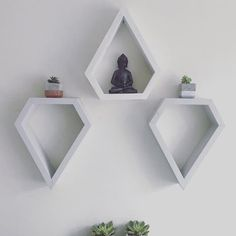 Bohemian decor Diamond shelves shabby shelves by Lovelifewood - Home Decor Budget Wooden Shelf Design, Wall Shelves Design, Wooden Shelves, Wall Design, Floating Shelves, White Shelves, Wood Concrete, Silver Home Accessories, Bohemian Wall Decor