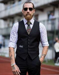 tenue-homme-chic-tenues-soirée-classe-gilet-cravate-hipster