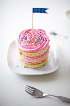 pink buttercream rosette mini cakes - coco cake land