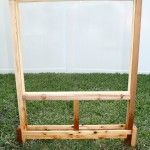 Outdoor Easel for kids- narrow space taker even keep score on it for outdoor games Outdoor Learning, Outdoor Activities, Backyard Playground, Playground Ideas, Preschool Playground, Home Childcare, Kids Play Spaces, Outside Games, Outdoor Furniture Plans