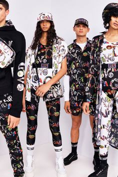 Versus Versace Spring 2019 Ready-to-Wear Collection - Vogue