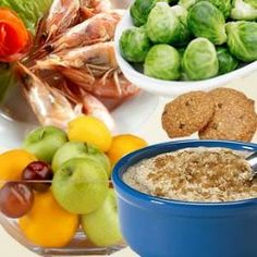 The Benefits of Eating a Low Cholesterol Diet-Within this article you will discover a simple low cholesterol diet which will lower your cholesterol naturally just with eating this list of foods Balanced Diet Plan, Healthy Balanced Diet, Healthy Eating, Healthy Food, Stay Healthy, Healthy Meals, Clean Eating, Diabetes, Low Fat Diets
