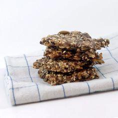 Sesam-knekkebrød - Funksjonell Mat Protein, Candy, Chocolate, Desserts, Keto, Food, Tailgate Desserts, Deserts, Essen