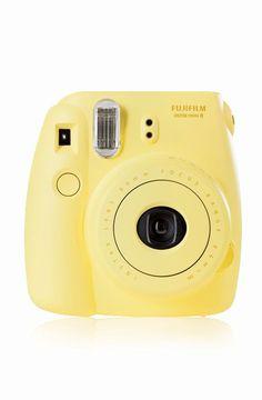 Fujifilm Instax Mini 8 - Cámara analógica instantánea (flash, velocidad de obturación 1/60 seg.), amarillo