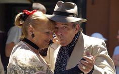 Demenz vorbeugen: Tanzen hält auch das Gehirn fit. Singen, musizieren, tanzen: Das alles fordert das Gehirn – und kann so wahrscheinlich vor einer Demenz schützen. http://der-seniorenblog.de/senioren-news-2senioren-nachrichten/. Bild: CC0
