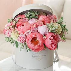 Our Marianna Box! Beautiful @marianna_hewitt mentioned that she liked peonies, and so we made this stunning box for her AND named it in her honor!