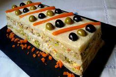 Cuban Sandwich, Sandwich Cake, Appetizer Sandwiches, Appetizers, Comidas Lights, Tapas, Flan, Healthy Cupcakes, Bread Rolls