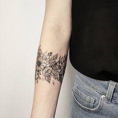 Wildblumen danke danke Wildblumen is part of Anchor Compass tattoos Waves - Wildblumen Danke Vielen Dank Wildblumen Source tattoo designs, tattoo, small tattoo, meaningful Mini Tattoos, Flower Tattoos, Body Art Tattoos, Small Tattoos, Tatoos, Tattoo Floral, Botanical Tattoo, Arm Tattoos, Diy Tattoo