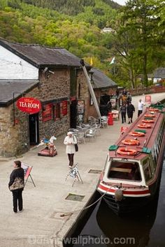 Narrow Boat, Llangollen Wharf and LLangollen Canal, Llangollen, Denbighshire, Wales, UK. Cool Places To Visit, Places To Travel, Places To Go, Canal Boats England, Maybe In Another Life, Narrowboat Interiors, Kingdom Of Great Britain, Wales Uk, North Wales