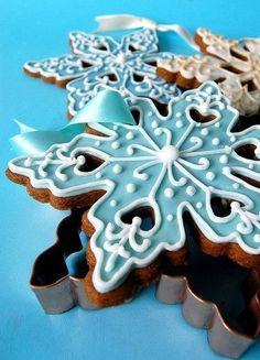Fancy Cookies, Iced Cookies, Cute Cookies, Holiday Cookies, Cupcake Cookies, Holiday Treats, Cookies Et Biscuits, Frozen Cookies, Christmas Sweets