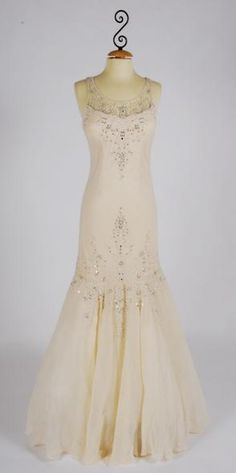 1930s WEDDING GOWNS | 1930 s bridal look dress the above pics are from