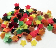 Mini felt flowers set of 100 pieces size 7mm by PlanetaCostura, €2.00